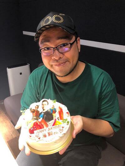 誕生日を迎えた落合福嗣さんの画像